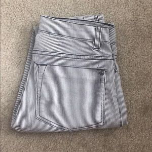 Mid Rise Striped Jegging Jeans